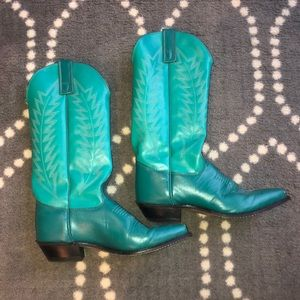 Shoes - Cowgirl Boots Size 5.5